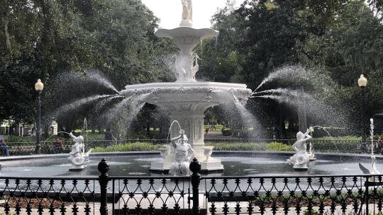 #1 Ghost Tour - Forsyth Park Fountain